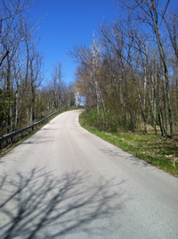 The climb up Sven's Bluff at miles 4-5 is the longest, most intimidating hill on the Door County Half Marathon course.
